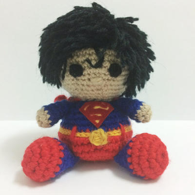 Superman Amigurumi easy crochet pattern