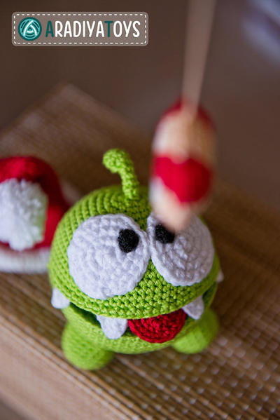 "Crochet patrones de Om Nom ""Cut the Rope)"