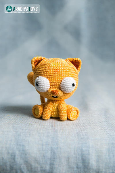"Crochet Pattern of Cat Martin from ""AradiyaToys Design"""