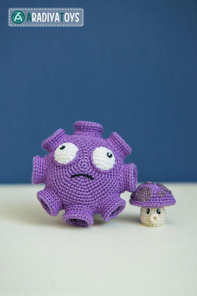 "Crochet Pattern of Gloom and Puff Shrooms from ""Plants vs Zombies"""