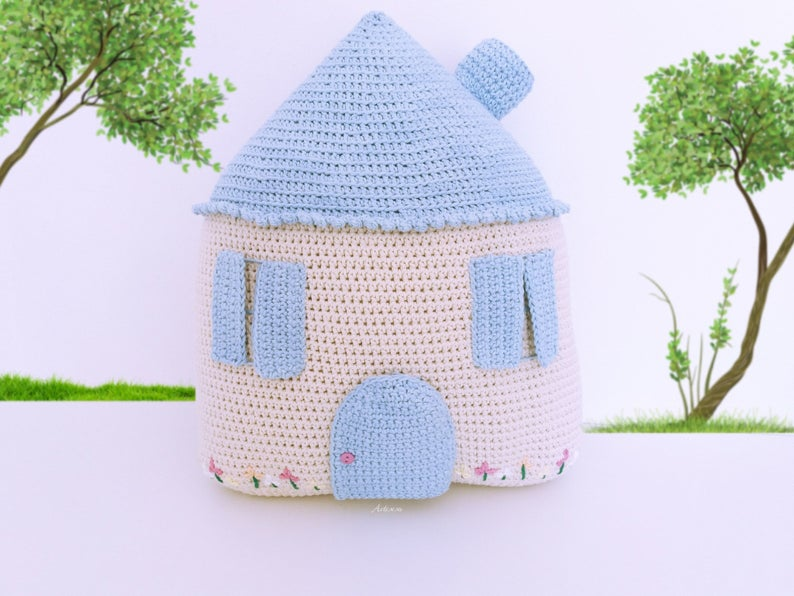 Happy amigurumi mansion crochet pattern