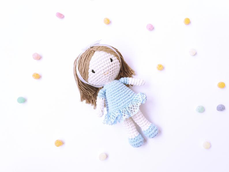 Riquiña doll crochet pattern