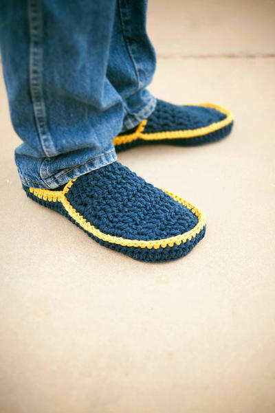 Men's House Slippers Crochet Pattern in 5 sizes No. 5