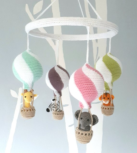 Hot air balloon baby mobile crochet pattern