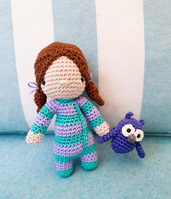 Sleepy Jenny amigurumi doll crochet pattern