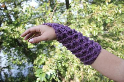 Crocodile Stitch Gauntlets