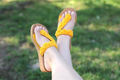 Crocodile Stitch Sunny Sandals