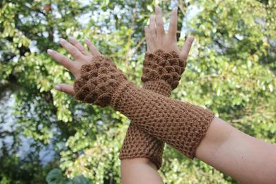 Crocodile Stitch Wristwarmers