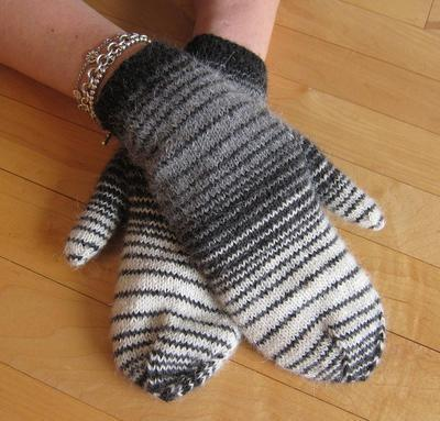 Winter Skies Mittens Kit