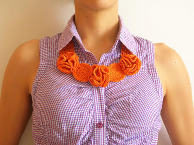 Crochet flower necklace/ Collar de flores a crochet