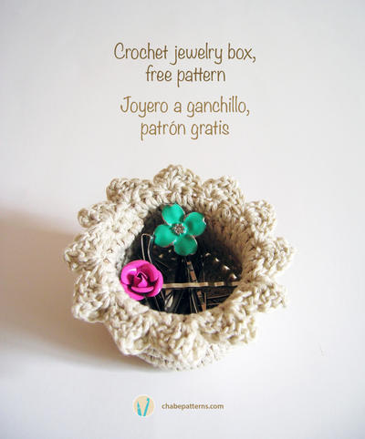 Crochet jewelry box