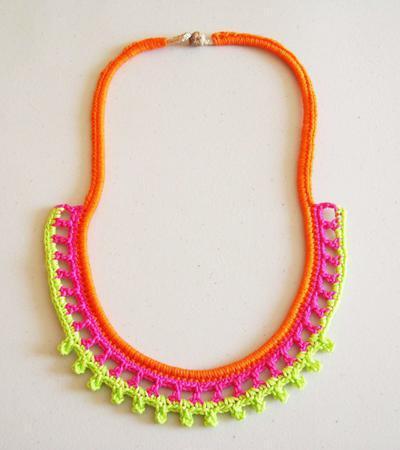 Neon necklace/ Collar neón