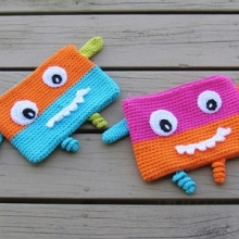 Selection of free winter crochet patterns