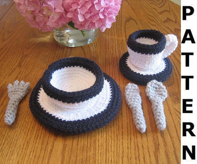 Dinnerware and Flatware Crochet Pattern