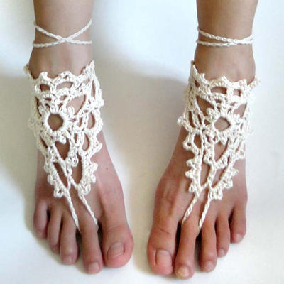 Lacy Triangle Barefoot Sandals