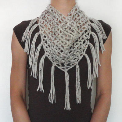 Triangular Cowl with Fringe