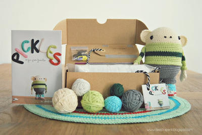 Pickles Amigurumi Kit