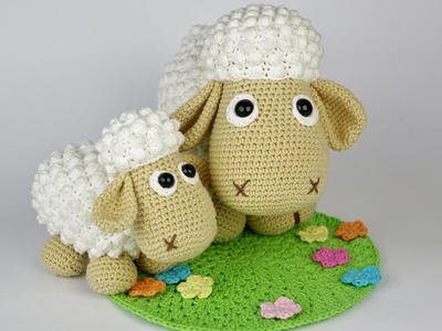 Wolli Sheep and Lamb Crochet Pattern