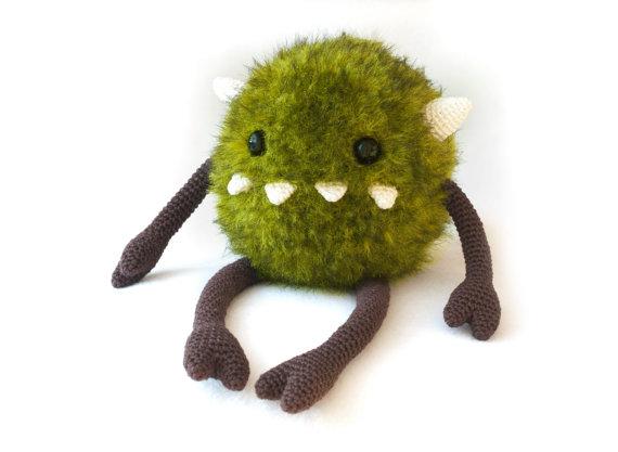 Harry the monster Amigurumi crochet pattern PDF