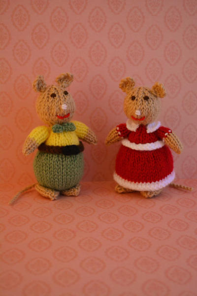 Animal/ Doll Knitting Pattern / Mr. and Mrs. Peppermint - Mice