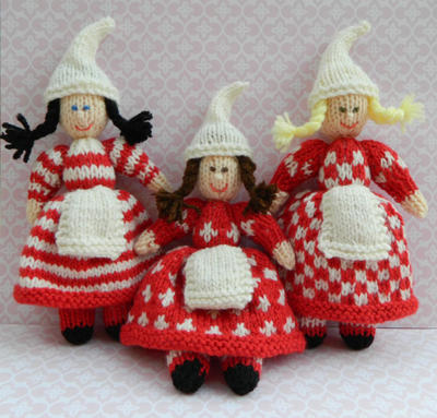 Christmas Doll Knitting Pattern
