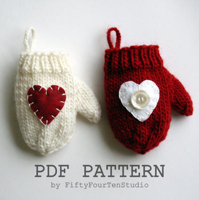 Christmas Decoration / Mini Mitten Ornament