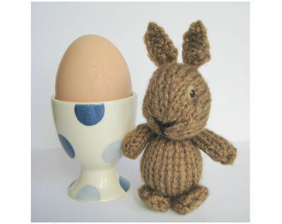 Egg Cup Bunny toy knitting pattern