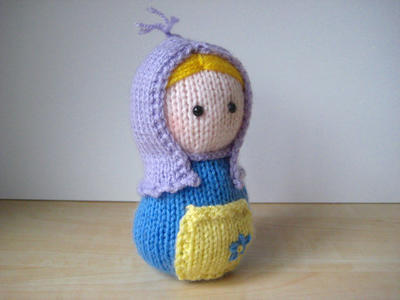 Matryoshka toy doll knitting pattern