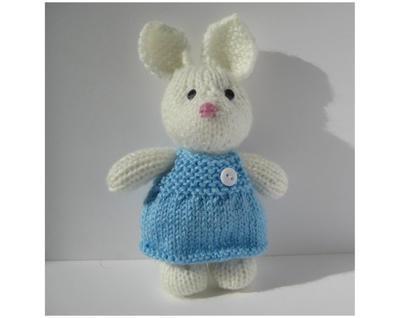 Millie the Rabbit toy knitting pattern