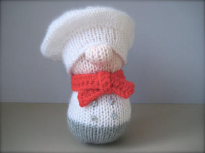 Mr Bun the Baker toy doll knitting pattern