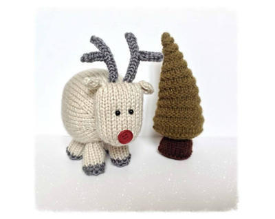 René the Reindeer toy knitting patterns
