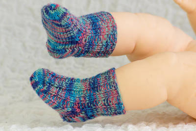 Free Newborn Socks Knitting Pattern