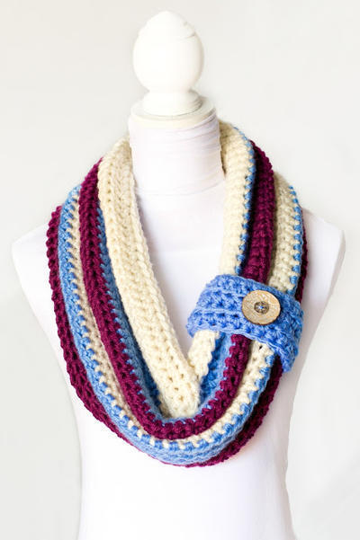 Chunky Button Cowl Crochet Pattern
