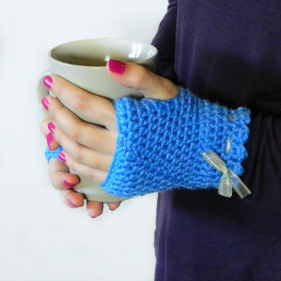 Confessions of a Crocheter ~ Vintage Fingerless Gloves Pattern