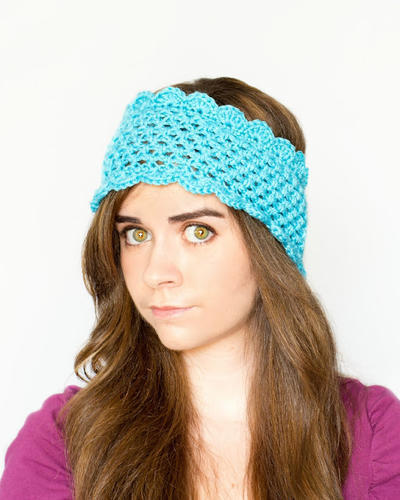 Dainty Scalloped Ear Warmer Crochet Pattern