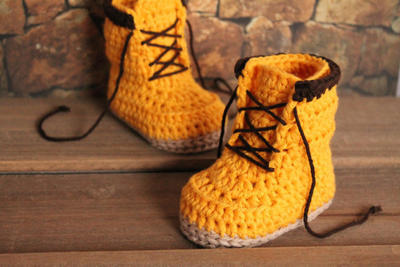 "Crochet Boots Pattern for Baby Boys ""Woodsmen"""