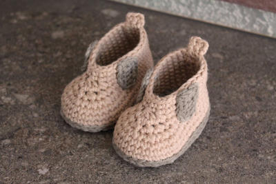 "Crochet Pattern for Baby Boys Crochet Boots, Steelcap ""Rytar Boot"""