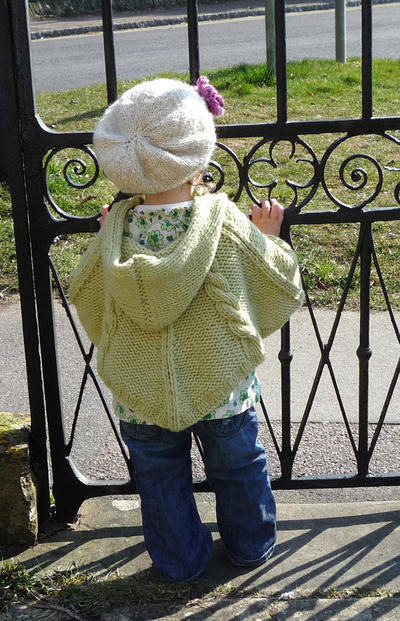 newborn to 3 years - cabled poncho