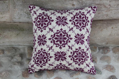 Accent pillow cover knitted