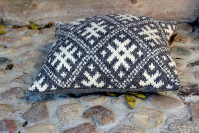 Accent pillow cover knitted Grey-White