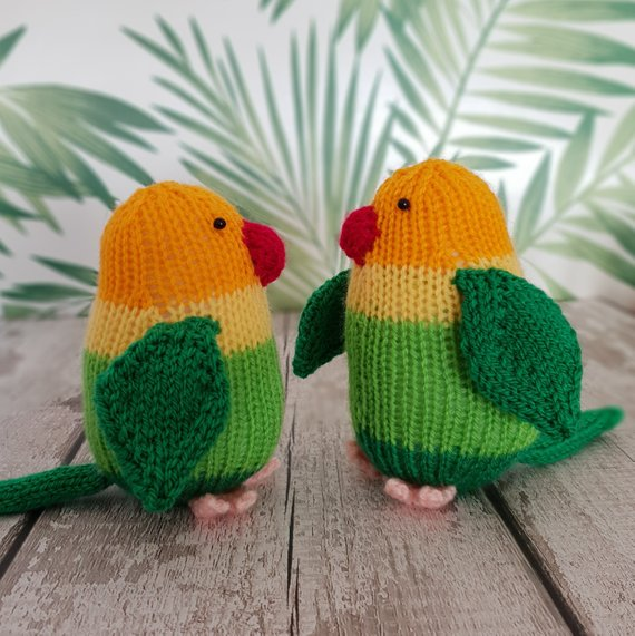 Lovebirds knitting pattern - Lucy and Larry