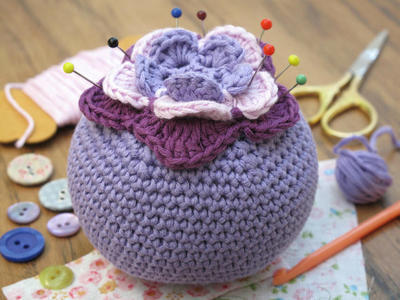 Crochet Kit - Starflower pincushion