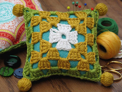 Learn to crochet this Classic 'My Granny's Square' pattern and create your own pincushion