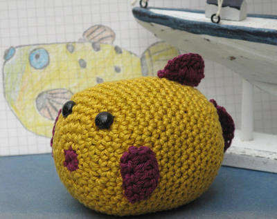 Learn to crochet this perky Inflated Puffer Fish Paperweight