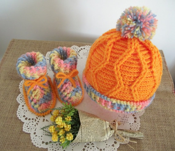 CROCHET PATTERN Baby hat and booties set