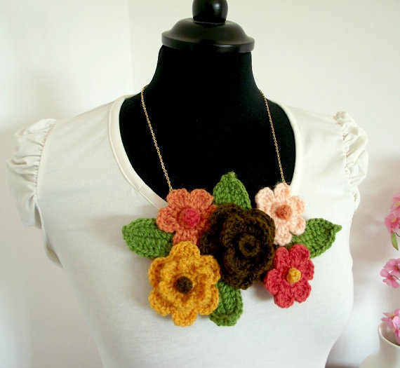 Flower Necklace pattern