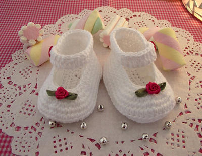 Little Lilly Baby crochet Shoes Pattern