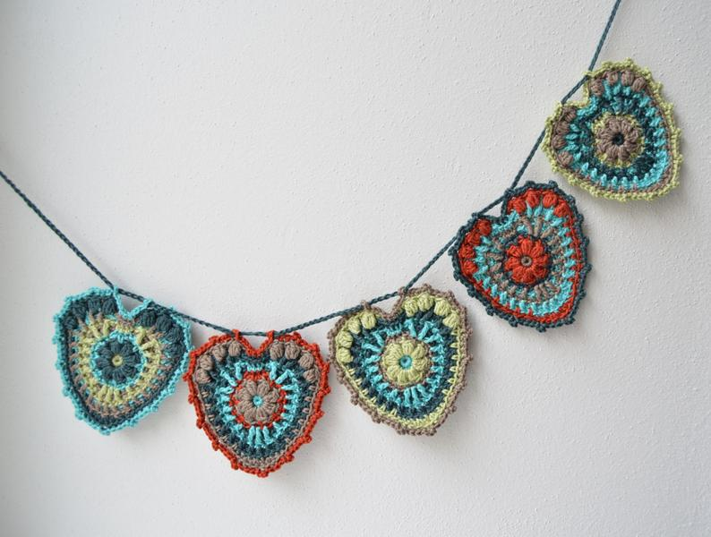 Crocheted Heart Pattern - Garland party decoration