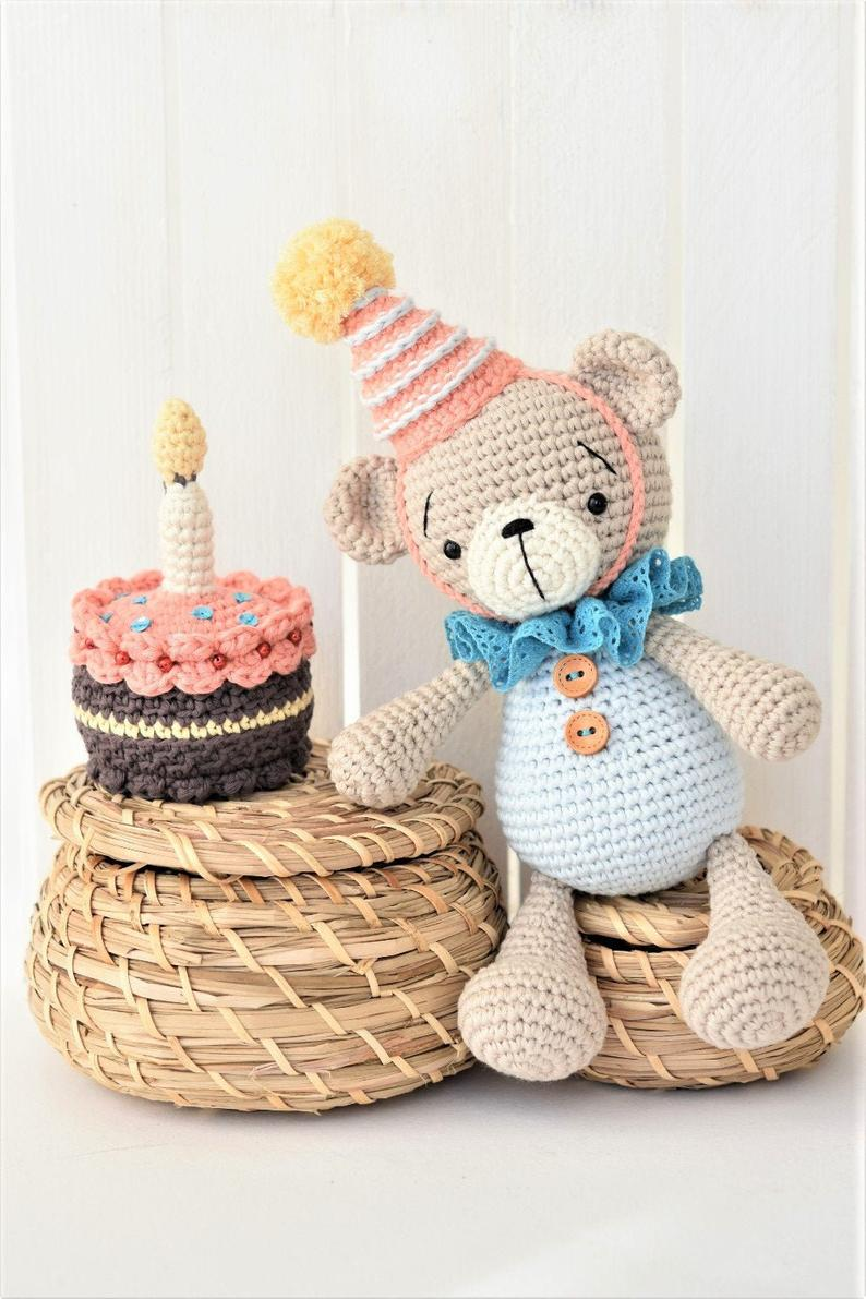 Birthday bear and jummy cake