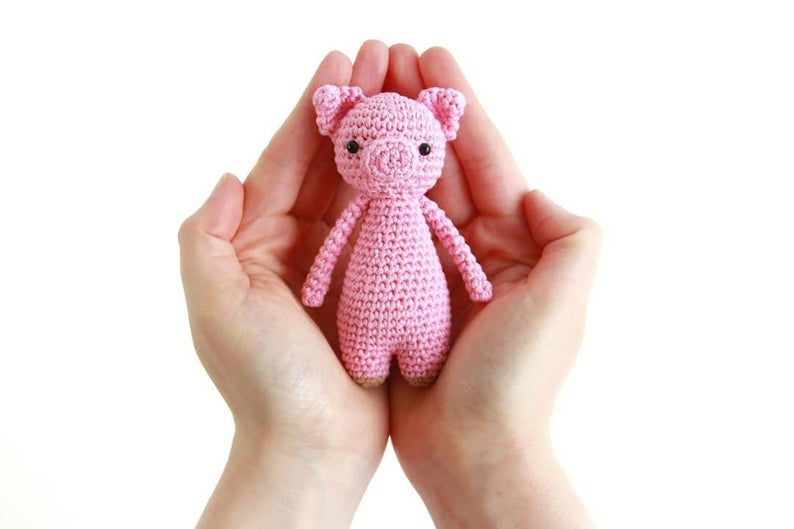 Mini Pig Amigurumi crochet pattern
